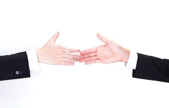 握手しない